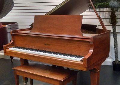 Baldwin R 5'8″ Walnut Satin Grand Piano $11.999